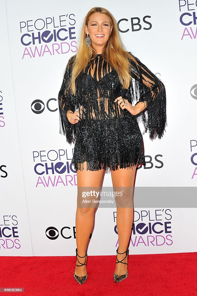 Actress Blake Lively arrives at People's Choice Awards 2017 at Microsoft Theater on January 18, 2017 in Los Angeles, California.