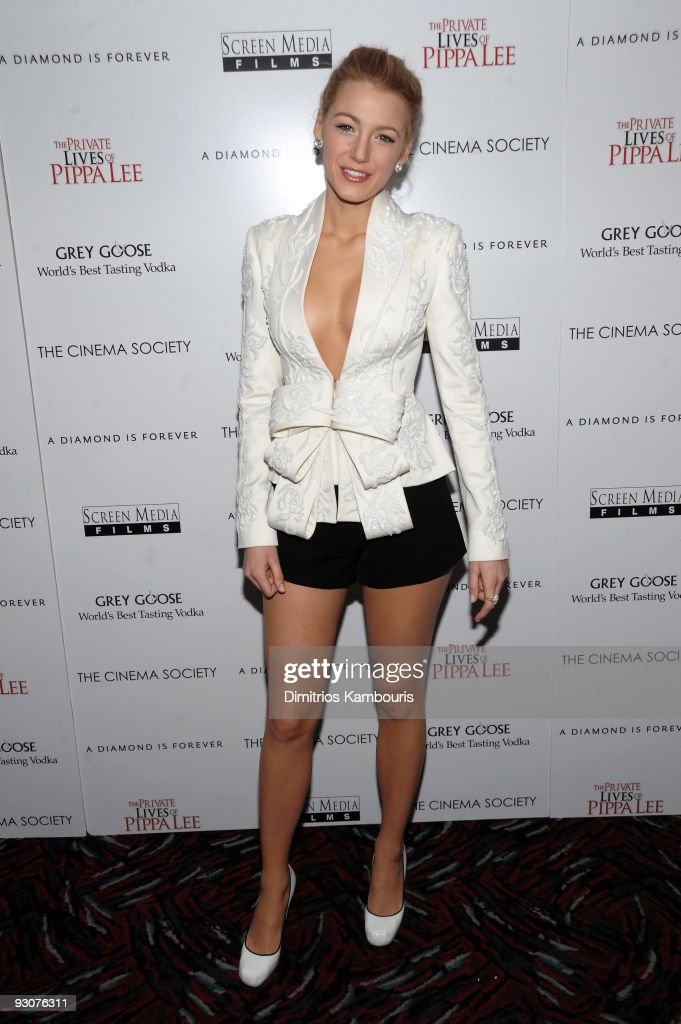 """Cinema Society Screening Of """"The Private Lives Of Pippa Lee"""" - Arrivals : News Photo"""
