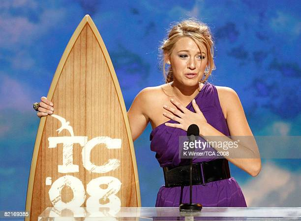 Actress Blake Lively of 'Gossip Girl' accepts the Choice TV Drama award onstage during the 2008 Teen Choice Awards at Gibson Amphitheater on August 3...