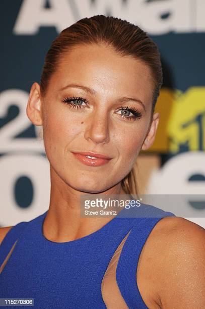 Actress Blake Lively poses in the press room during the 2011 MTV Movie Awards at Universal Studios' Gibson Amphitheatre on June 5 2011 in Universal...
