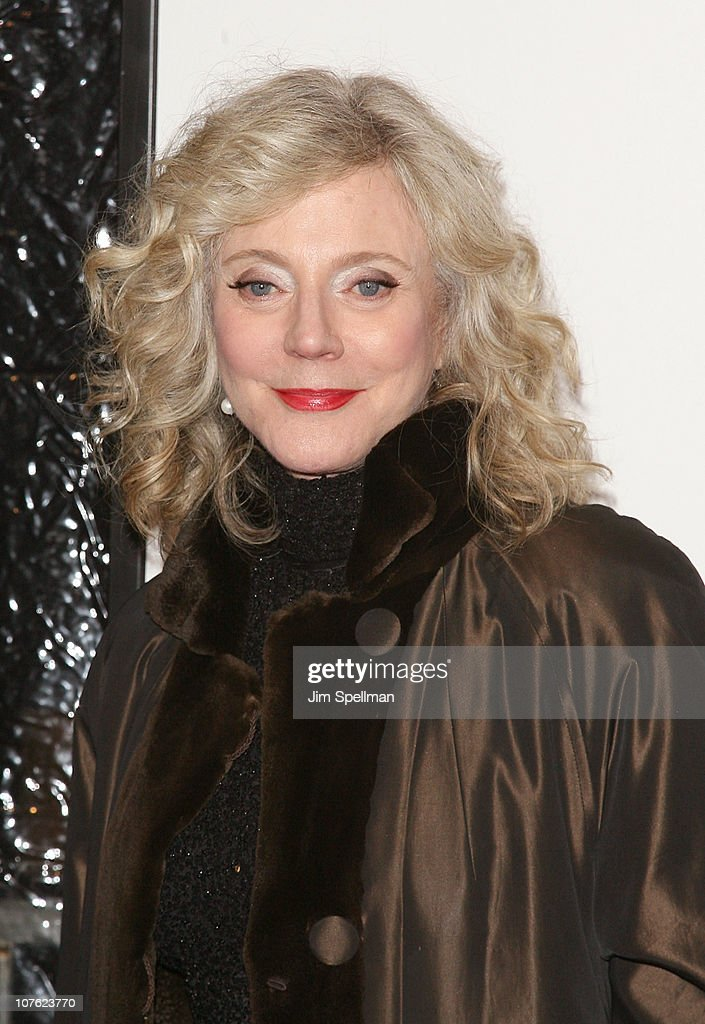 Actress Blythe Danner attends the World Premiere of 'Little Fockers' at the Ziegfeld Theatre on December 15, 2010 in New York City.