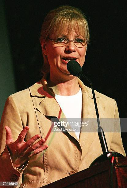 Actress Bonnie Hunt appears on stage during the 4th annual Bogart Backstage Children's Choice Awards at The Hollywood Palladium on November 5 2006 in...