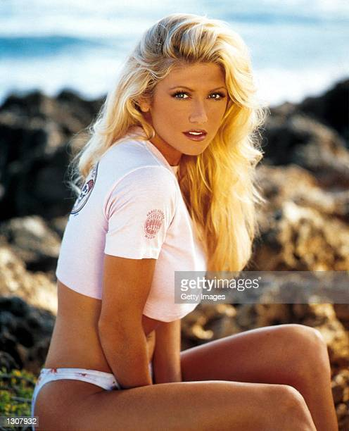 Actress Brande Roderick as Leigh Dyer in UPN''s television series Baywatch Hawaii