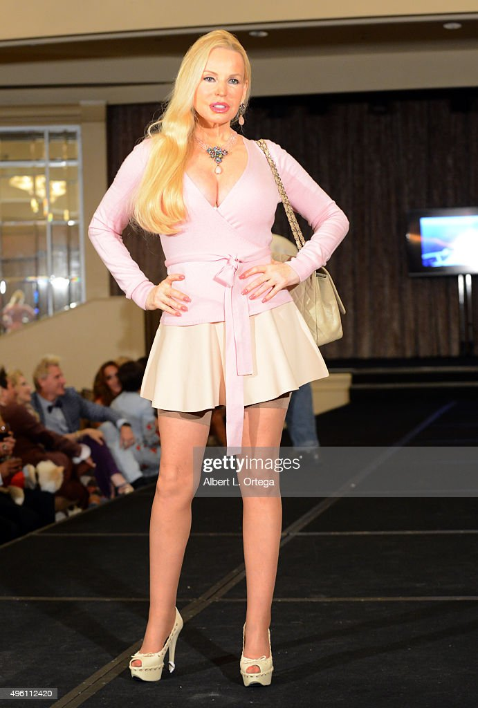 Actress Brenda Dickson attends 'Reel Haute' In Hollywood International Couture Fashion Show held at The Beverly Hilton Hotel on November 6, 2015 in Beverly Hills, California.