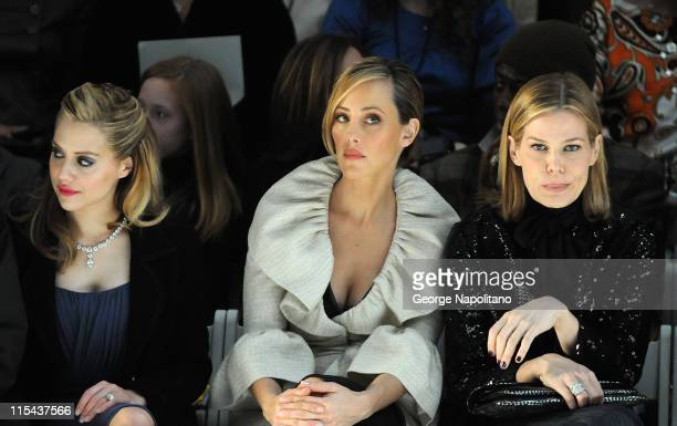 Actress Brittany Murphy actress Kim Raver and TV personality Mary Alice Stephenson attend Monique Lhuillier Fall 2008 during MercedesBenz Fashion...