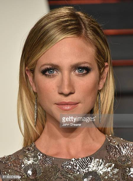 Actress Brittany Snow arrives at the 2016 Vanity Fair Oscar Party Hosted By Graydon Carter at Wallis Annenberg Center for the Performing Arts on...