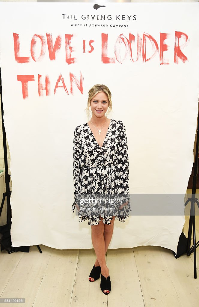 The Giving Keys And Love Is Louder Pop Up Shop At Ron Robinson With Brittany Snow And Caitlin Crosby