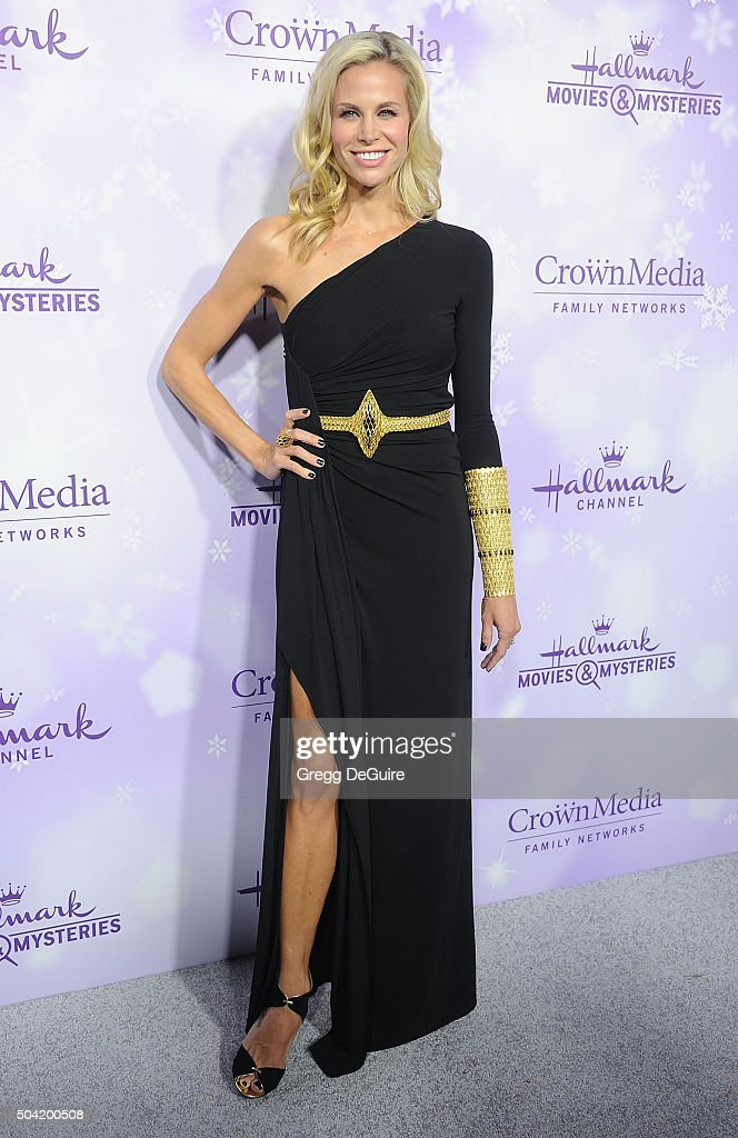 Actress Brooke Burns arrives at the Hallmark Channel and Hallmark Movies and Mysteries Winter 2016 TCA Press Tour at Tournament House on January 8, 2016 in Pasadena, California.