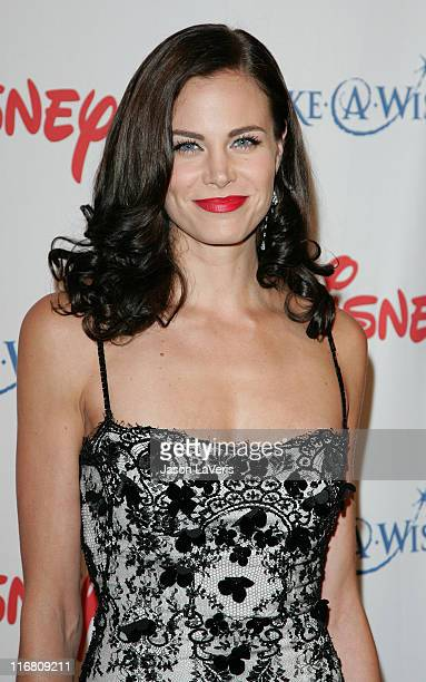 Actress Brooke Burns at the Wish Night 2007 Awards Gala at the Beverly Hills Hotel in Beverly Hills California on November 2 2007