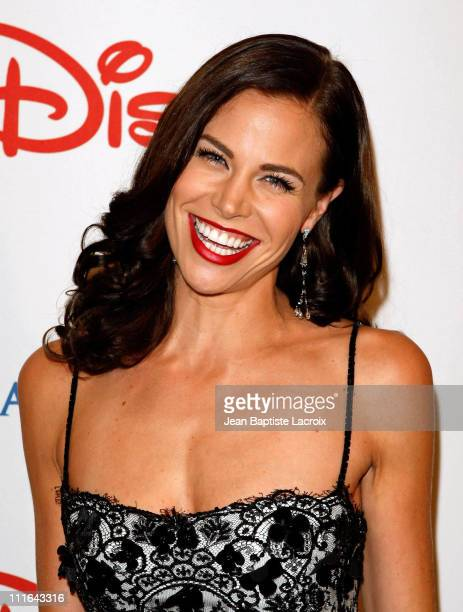 Actress Brooke Burns poses at the Wish Night 2007 Awards Gala at the Beverly Hills Hotel in Beverly Hills, California on November 2, 2007.