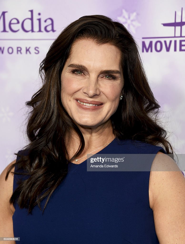 Actress Brooke Shields arrives at the Hallmark Channel and Hallmark Movies and Mysteries Winter 2016 TCA Press Tour at Tournament House on January 8, 2016 in Pasadena, California.