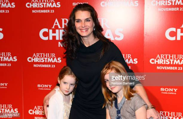 Actress Brooke Shields Grier Hammond Henchy and Rowan Francis Henchy attend the Arthur Christmas premiere at the Clearview Chelsea Cinemas on...