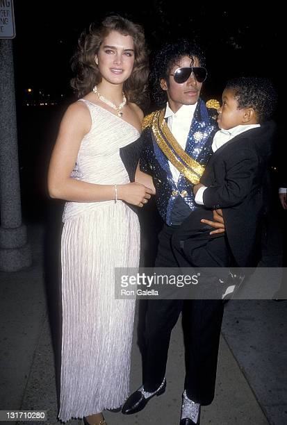 Actress Brooke Shields singer Michael Jackson and actor Emmanuel Lewis attend the 26th Annual Grammy Awards After Party on February 28 1984 at...