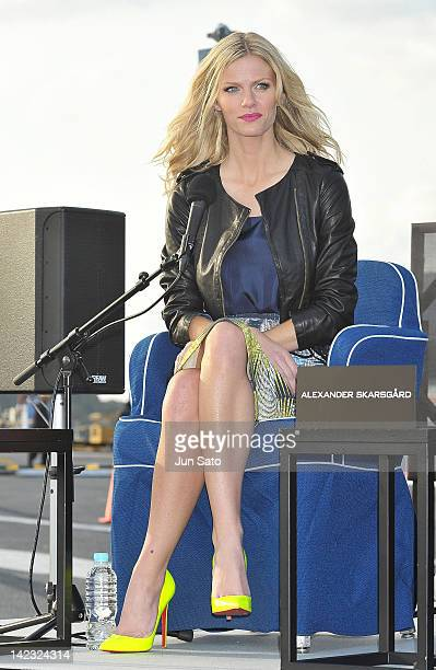 Actress Brooklyn Decker attends the 'Battleship' Press Conference on the USS George Washington at US Fleet Activities Yokosuka on April 2 2012 in...