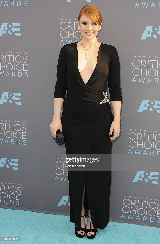 Actress Bryce Dallas Howard arrives at The 21st Annual Critics' Choice Awards at Barker Hangar on January 17, 2016 in Santa Monica, California.