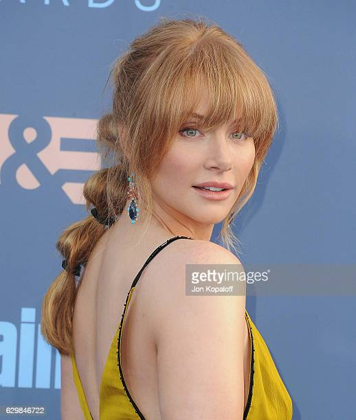 Actress Bryce Dallas Howard arrives at The 22nd Annual Critics' Choice Awards at Barker Hangar on December 11 2016 in Santa Monica California
