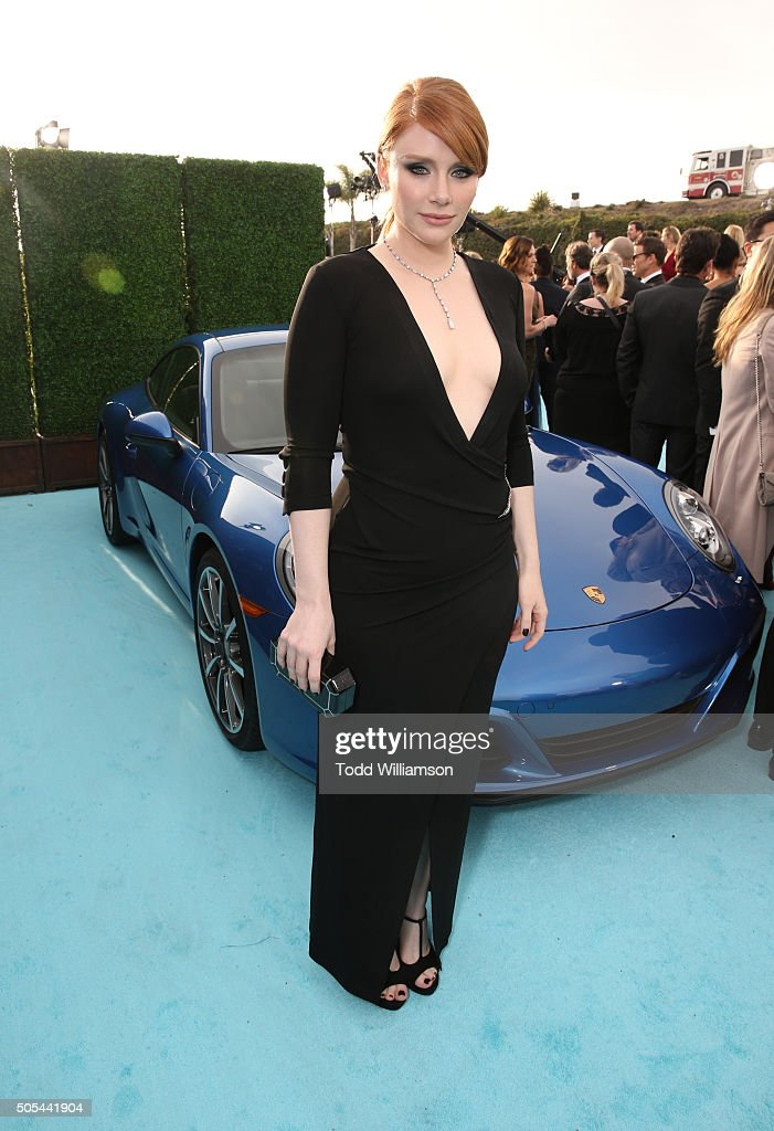 Actress Bryce Dallas Howard attends the 21st Annual Critics' Choice Awards at Barker Hangar on January 17, 2016 in Santa Monica, California.