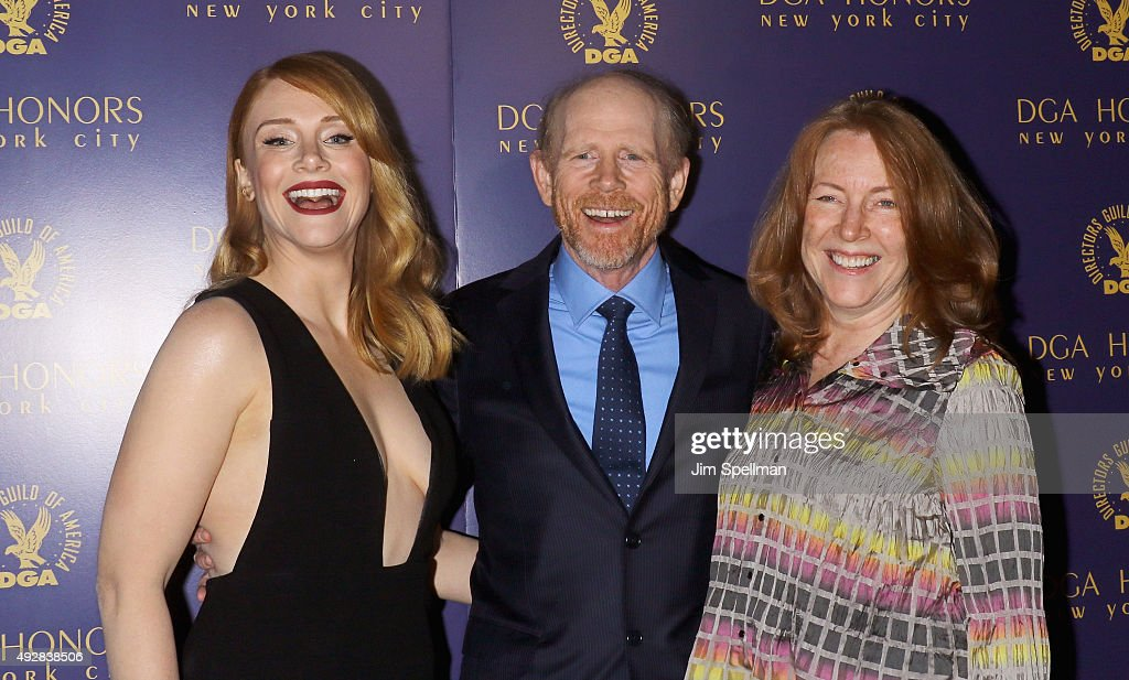 Actress Bryce Dallas Howard, director Ron Howard and actress Cheryl Howard attend the DGA Honors Gala 2015 at the DGA Theater on October 15, 2015 in New York City.
