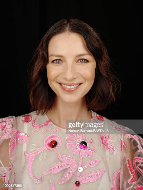 Actress Caitriona Balfe attends the portrait studio at Four Seasons Hotel Los Angeles at Beverly Hills on January 05, 2019 in Los Angeles, California.