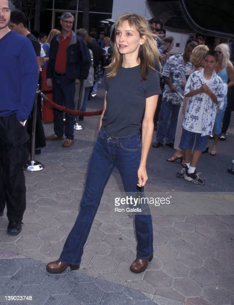 Actress Calista Flockhart attends The Flinstones in Viva Rock Vegas Universal City Premiere on April 15 2000 at Universal Studios Cinemas in...