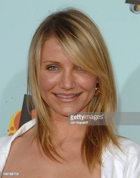 Actress Cameron Diaz arrives at Nickelodeon's 2008 Kids' Choice Awards at the Pauley Pavilion on March 29 2008 in Los Angeles California