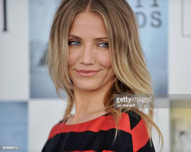 Actress Cameron Diaz arrives at the 2009 Film Independent Spirit Awards held at the Santa Monica Pier on February 21, 2009 in Santa Monica,...