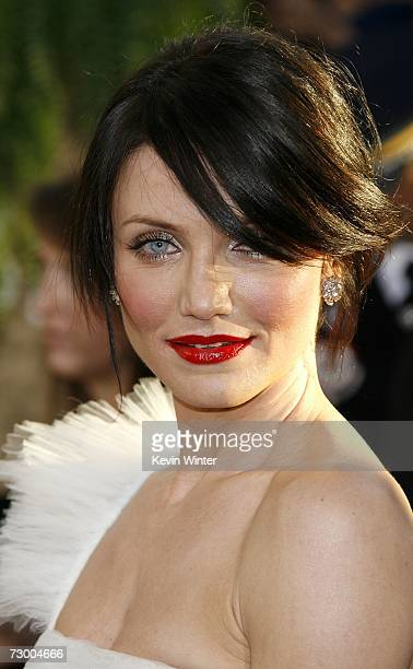 Actress Cameron Diaz arrives at the 64th Annual Golden Globe Awards at the Beverly Hilton on January 15, 2007 in Beverly Hills, California.