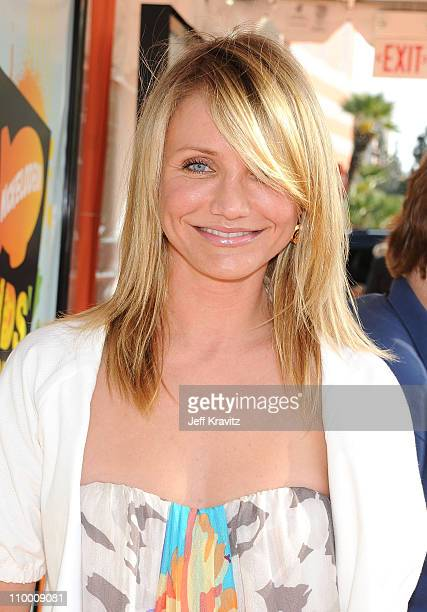 Actress Cameron Diaz arrives on the red carpet at Nickelodeon's 2008 Kids' Choice Awards at the Pauley Pavilion on March 29 2008 in Los Angeles...