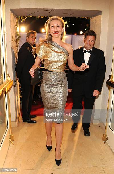 Actress Cameron Diaz attends the 2010 Vanity Fair Oscar Party hosted by Graydon Carter at the Sunset Tower Hotel on March 7, 2010 in West Hollywood,...