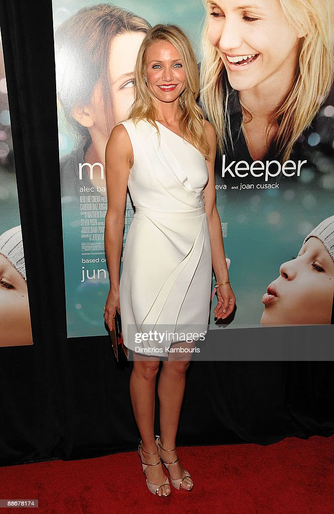 Actress Cameron Diaz attends the premiere of 'My Sister's Keeper' at the AMC Lincoln Square on June 24, 2009 in New York City.