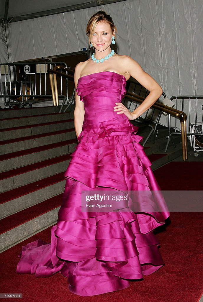 "MET Costume Institute Benefit Gala Presents ""Poiret: King Of Fashion"" : News Photo"