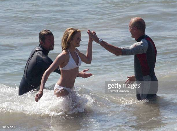 Actress Cameron Diaz talks with the movie crew on the set of her upcoming film 'Charlie's Angels 2' on September 10 2002 in Malibu California