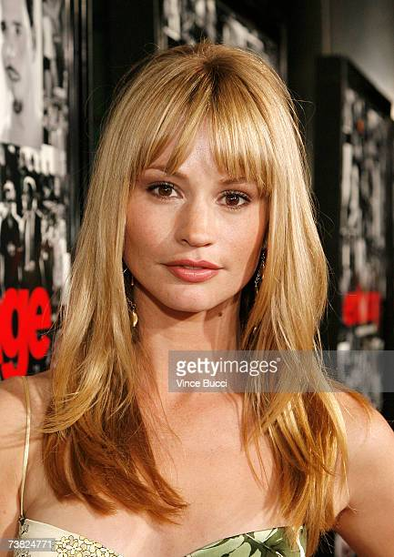 Actress Cameron Richardson attends the premiere of the HBO series Entourage Season 3 at The Cinerama Dome on April 5 2007 in Hollywood California