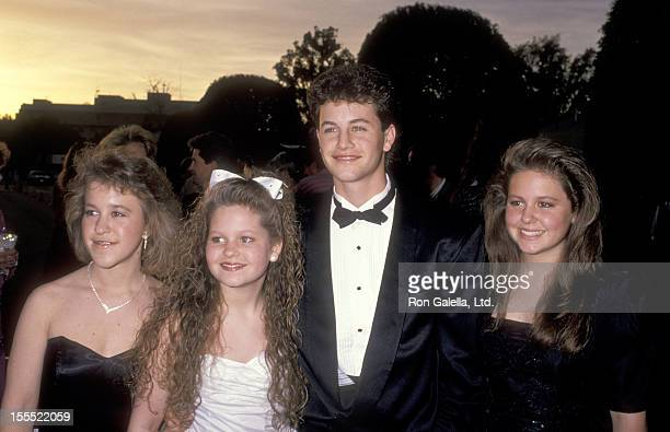 Actress Candace Cameron Actor Kirk Cameron sisters Melissa Cameron and Bridgette Cameron attend the 15th Annual People's Choice Awards on March 12...