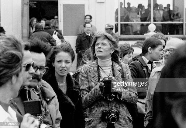 Actress Candice Bergen with cameras on April 41972 in New York New York