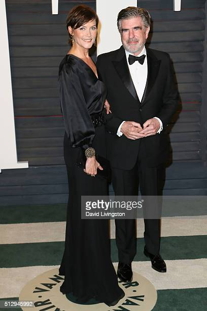 Actress Carey Lowell and chairman of The ONE Campaign Tom Freston arrive at the 2016 Vanity Fair Oscar Party Hosted by Graydon Carter at the Wallis...