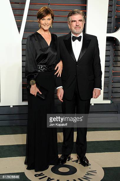 Actress Carey Lowell and chairman of The ONE Campaign Tom Freston attend the 2016 Vanity Fair Oscar Party hosted By Graydon Carter at Wallis...