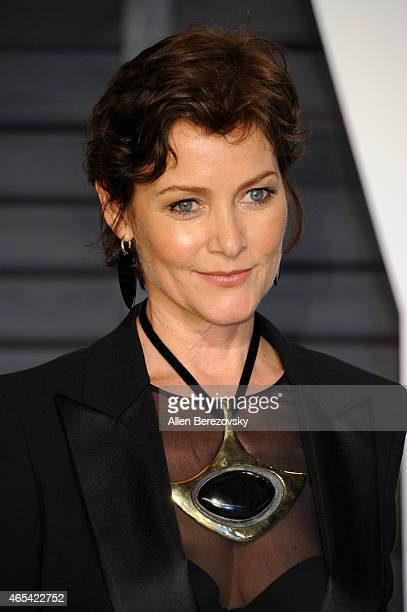 Actress Carey Lowell attends attends the 2015 Vanity Fair Oscar Party hosted by Graydon Carter at Wallis Annenberg Center for the Performing Arts on...