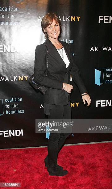 Actress Carey Lowell attends the 17th annual ARTWALK NY at Skylight Studio on November 15 2011 in New York City