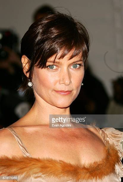 Actress Carey Lowell attends the Metropolitan Museum of Art Costume Institute Benefit Gala Anglomania at the Metropolitan Museum of Art May 1 2006 in...