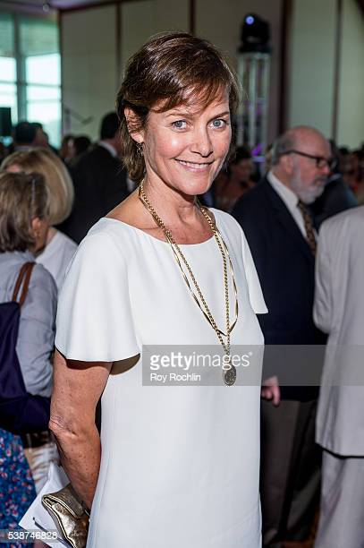 Carey lowell family fotografas e imgenes de stock getty images actress carey lowell attends the sanctuary for families zero tolerance benefit 2016 at pier sixty at voltagebd Choice Image