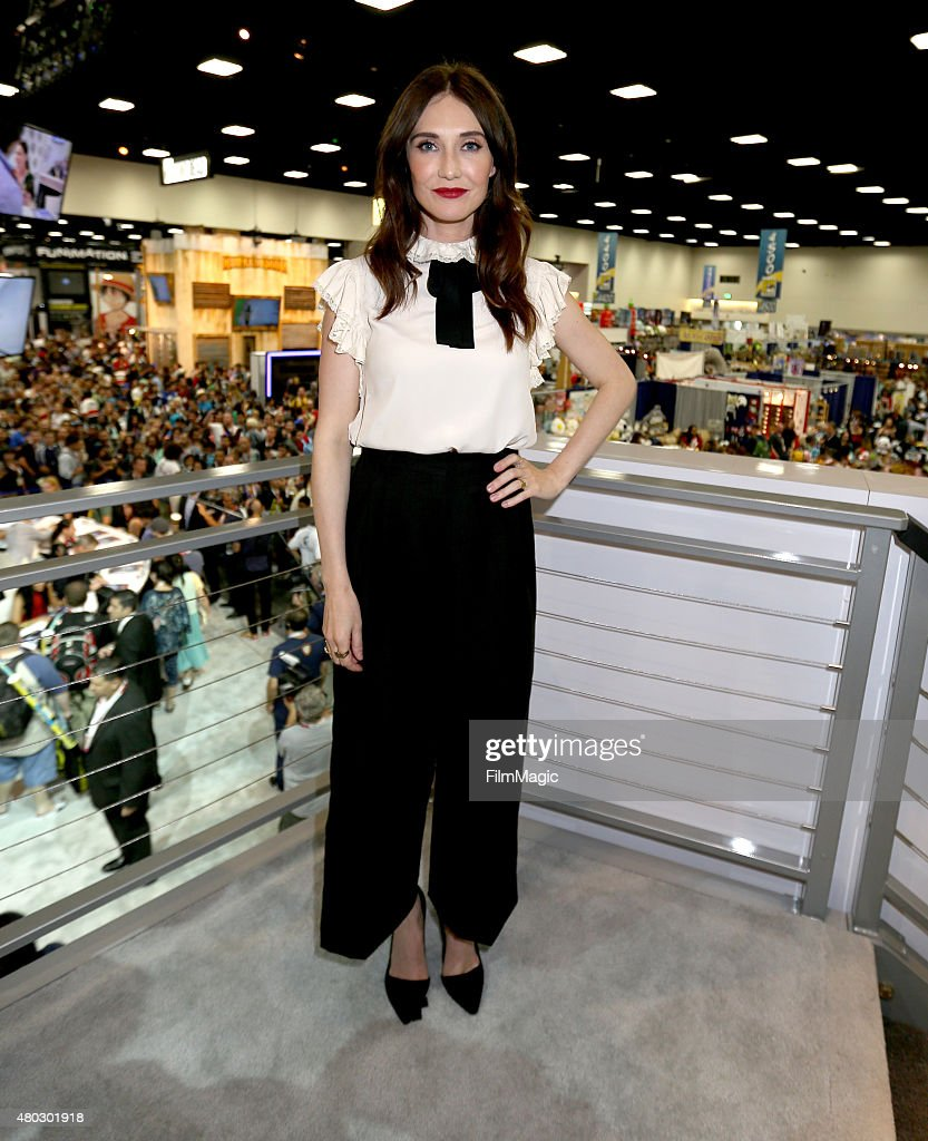 "2015 ""Game Of Thrones"" Comic-Con Autograph Signing"