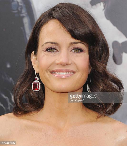 """Actress Carla Gugino arrives at the Premiere Of Warner Bros. Pictures' """"San Andreas"""" at TCL Chinese Theatre on May 26, 2015 in Hollywood, California."""