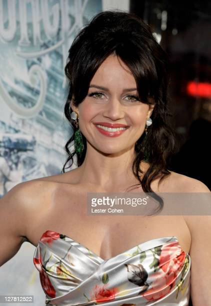 "Actress Carla Gugino attends the ""Sucker Punch"" Los Angeles Premiere at Grauman's Chinese Theatre on March 23, 2011 in Hollywood, California."