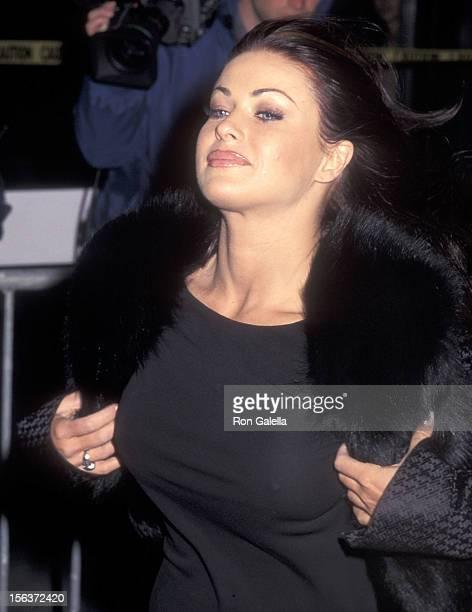 Actress Carmen Electra attends the 'Meet Joe Black' New York City Premiere on November 2 1998 at the Ziegfeld Theatre in New York City