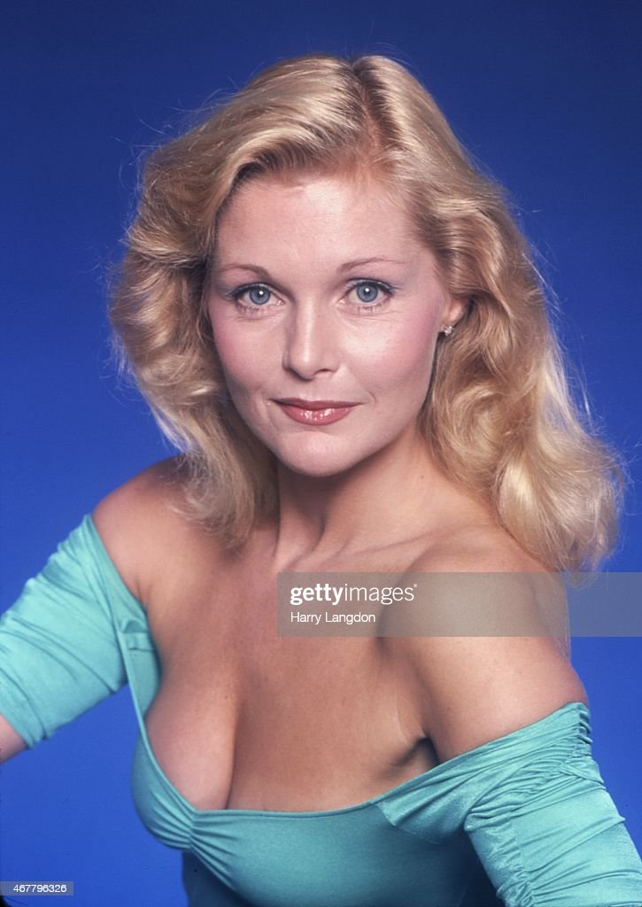 Carol linley Nude Photos 17