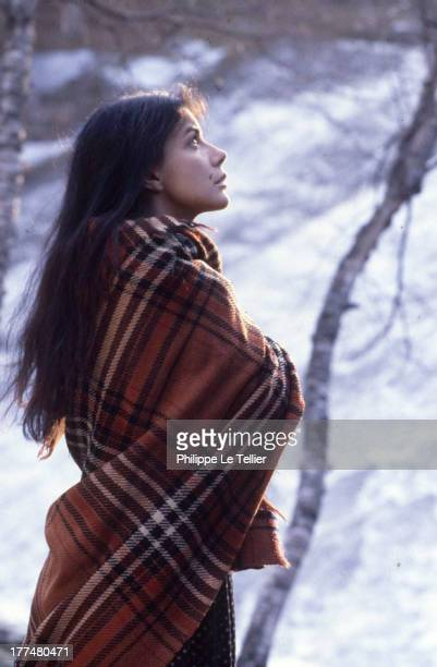 Actress Carole Laure during the filming of 'Maria Chapdelaine' Canada in 1982 la comedienne Carole Laure durant le tournage de Maria Chapdelaine de...