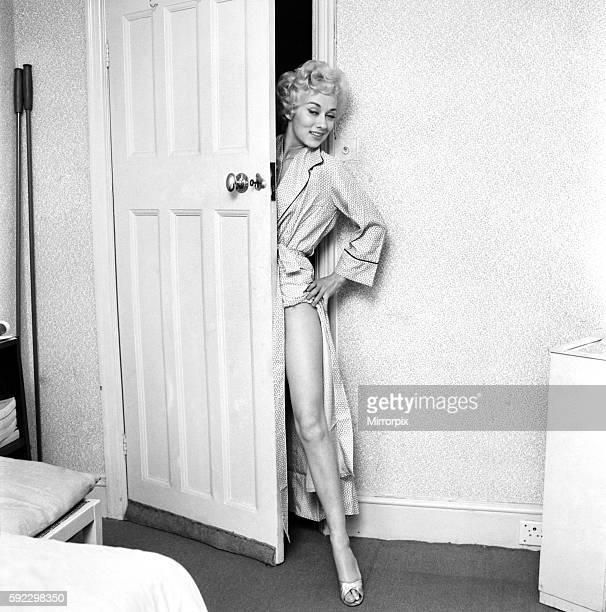 Actress Carole Lesley. 1964 E286-002