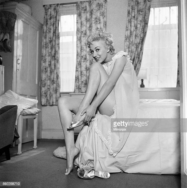Actress Carole Lesley. 1964 E286-006