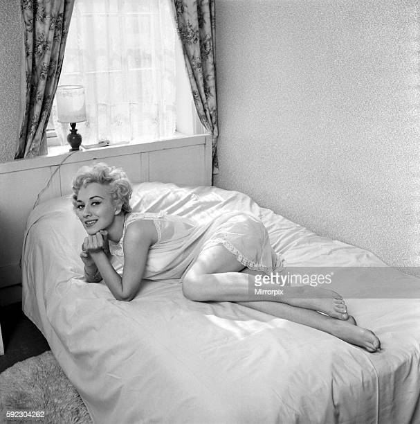 Actress Carole Lesley. 1964 E286-013
